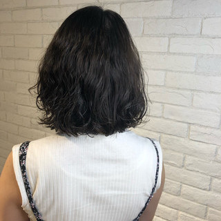アッシュベージュ ショートボブ パーマ グラデーションカラー ヘアスタイルや髪型の写真・画像