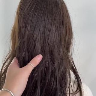 アッシュグレージュ ベージュ グレージュ セミロング ヘアスタイルや髪型の写真・画像