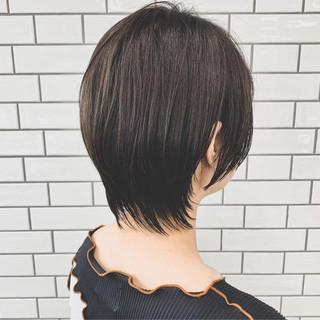 ブラウンベージュ アッシュベージュ ナチュラル ショートヘア ヘアスタイルや髪型の写真・画像
