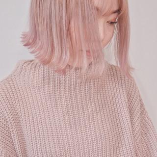 ミニボブ ピンクカラー ハイトーンボブ ピンクベージュ ヘアスタイルや髪型の写真・画像