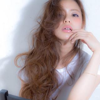 ロングヘア レイヤーロングヘア クールロング 大人ロング ヘアスタイルや髪型の写真・画像