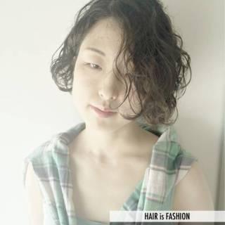 ナチュラル 黒髪 ストリート 卵型 ヘアスタイルや髪型の写真・画像