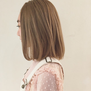 ミルクティーベージュ ガーリー ボブ 外国人風 ヘアスタイルや髪型の写真・画像