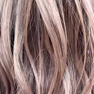 ナチュラル ハイトーン 大人ハイライト ピンクパープル ヘアスタイルや髪型の写真・画像