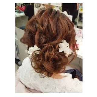 フェミニン 結婚式 セミロング 謝恩会 ヘアスタイルや髪型の写真・画像