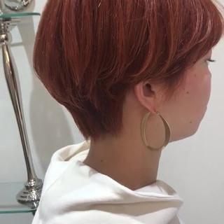オレンジベージュ ショートボブ アプリコットオレンジ オレンジカラー ヘアスタイルや髪型の写真・画像