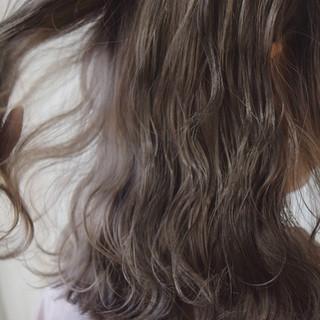 アッシュブラウン ミルクティーベージュ ブラウン ミディアム ヘアスタイルや髪型の写真・画像