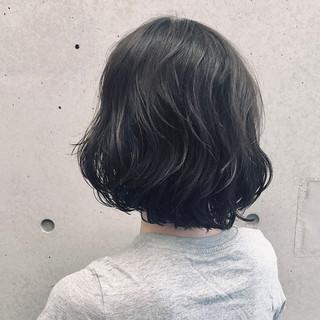 ナチュラル  大人女子 無造作パーマ ヘアスタイルや髪型の写真・画像