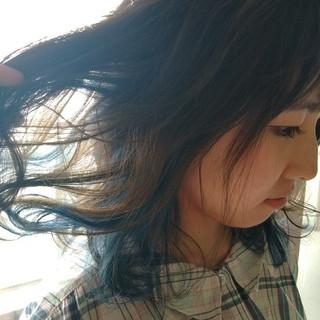 セミロング インナーカラー 外国人風 ハイトーン ヘアスタイルや髪型の写真・画像 ヘアスタイルや髪型の写真・画像