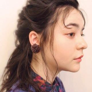 ナチュラル アンニュイ ミディアム ヘアアレンジ ヘアスタイルや髪型の写真・画像