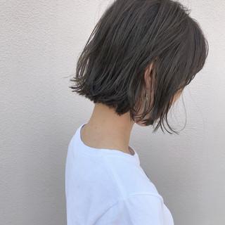 ロブ 切りっぱなし 外ハネ ボブ ヘアスタイルや髪型の写真・画像