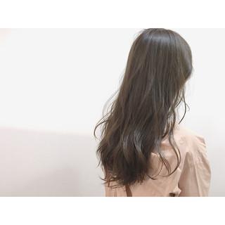 ダブルカラー アッシュベージュ アッシュ 外国人風 ヘアスタイルや髪型の写真・画像