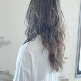 流行間違いなしカラー「グレージュ」!長さ別にオトナ女子向け髪型を厳選♡