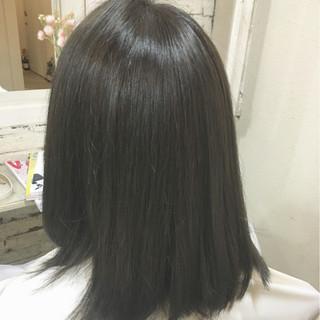 グレージュ ナチュラル ダークアッシュ ミディアム ヘアスタイルや髪型の写真・画像