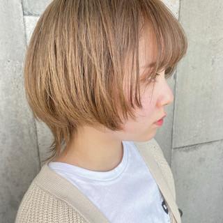 ショートヘア ハンサムショート ウルフカット ヌーディーベージュ ヘアスタイルや髪型の写真・画像