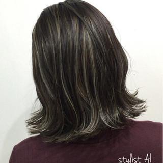 グレージュ モード ハイライト 外国人風カラー ヘアスタイルや髪型の写真・画像