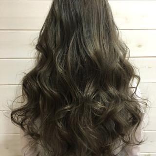 ナチュラル グラデーションカラー アッシュ 外国人風 ヘアスタイルや髪型の写真・画像 ヘアスタイルや髪型の写真・画像