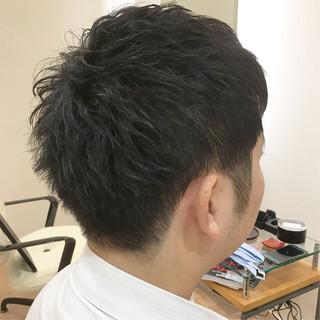 ツーブロック 刈り上げ コンサバ ショート ヘアスタイルや髪型の写真・画像