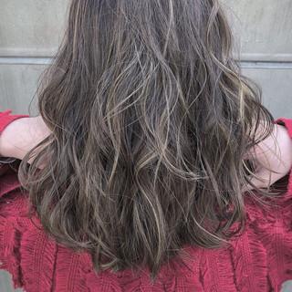 簡単ヘアアレンジ ショート 色気 エレガント ヘアスタイルや髪型の写真・画像