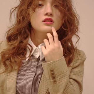 アッシュ セミロング ガーリー 透明感 ヘアスタイルや髪型の写真・画像