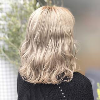 外国人風カラー ミディアム 外国人風フェミニン エレガント ヘアスタイルや髪型の写真・画像 ヘアスタイルや髪型の写真・画像