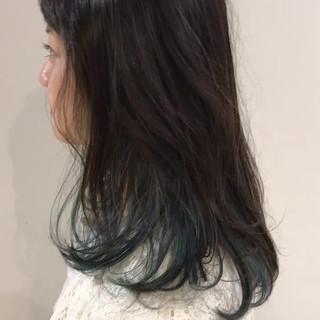 ブルー ストリート セミロング アウトドア ヘアスタイルや髪型の写真・画像