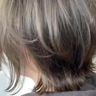 ボブ オリーブカラー オリーブグレージュ オリーブアッシュ ヘアスタイルや髪型の写真・画像
