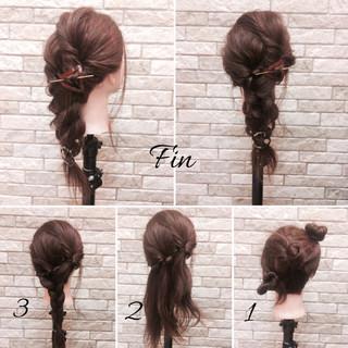 ミディアム 簡単ヘアアレンジ オフィス 梅雨 ヘアスタイルや髪型の写真・画像 ヘアスタイルや髪型の写真・画像