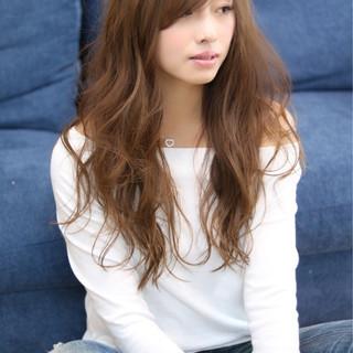 フェミニン 透明感 おフェロ 大人かわいい ヘアスタイルや髪型の写真・画像