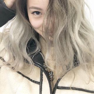 ハイトーン ミディアム グラデーションカラー ストリート ヘアスタイルや髪型の写真・画像