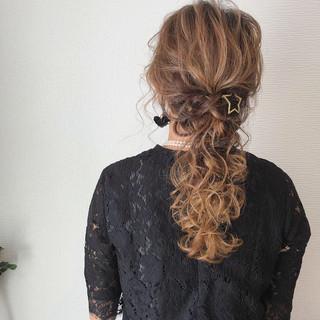 フェミニン 編み込み ヘアアレンジ セミロング ヘアスタイルや髪型の写真・画像