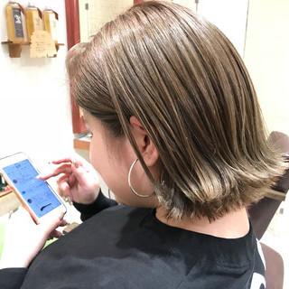 アッシュグレージュ グレージュ 外国人風カラー ボブ ヘアスタイルや髪型の写真・画像