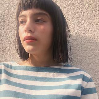 切りっぱなしボブ 透明感カラー ボブ グレージュ ヘアスタイルや髪型の写真・画像