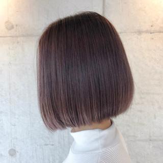 ハイトーンカラー ハイトーンボブ ハイトーン 前下がりボブ ヘアスタイルや髪型の写真・画像