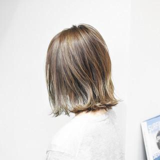 外ハネ ウェットヘア 切りっぱなし ボブ ヘアスタイルや髪型の写真・画像
