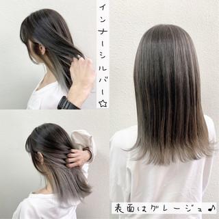 シルバー ロング ミルクティーグレージュ グレージュ ヘアスタイルや髪型の写真・画像