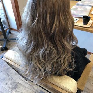 ハイライト デート ロング ストリート ヘアスタイルや髪型の写真・画像