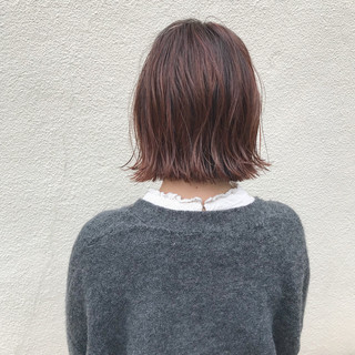 切りっぱなし ハイライト 外ハネ ロブ ヘアスタイルや髪型の写真・画像