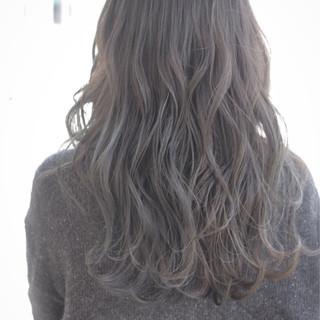ミルクティー エアリー アッシュ ナチュラル ヘアスタイルや髪型の写真・画像