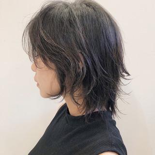レイヤー ミディアム ウルフカット ミディアムレイヤー ヘアスタイルや髪型の写真・画像