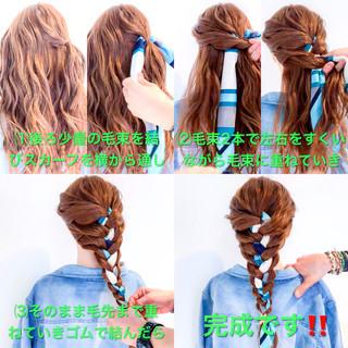編み込み ロング ヘアアクセ アウトドア ヘアスタイルや髪型の写真・画像