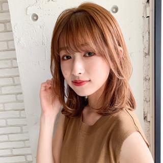 ミディアム フェミニン デジタルパーマ 前髪あり ヘアスタイルや髪型の写真・画像