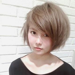 アッシュ ボブ グラデーションカラー ガーリー ヘアスタイルや髪型の写真・画像