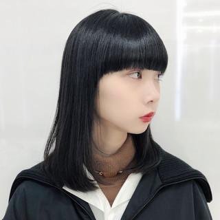ミディアム デート レイヤー ナチュラル ヘアスタイルや髪型の写真・画像