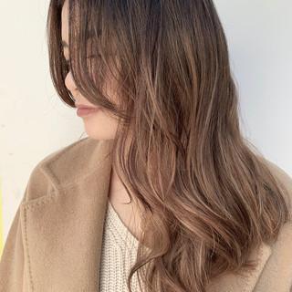 外国人風カラー バレイヤージュ グラデーションカラー エレガント ヘアスタイルや髪型の写真・画像
