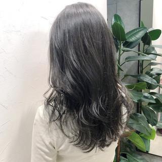 アディクシーカラー ロング グレージュ ナチュラル ヘアスタイルや髪型の写真・画像