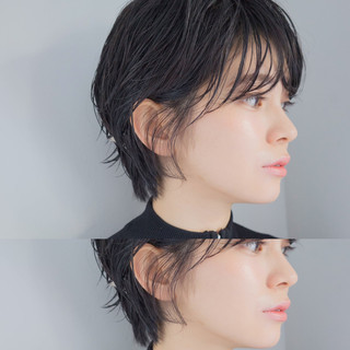 色気 センターパート ウルフカット 黒髪 ヘアスタイルや髪型の写真・画像