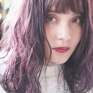 ウェーブ セミロング ゆるふわ アンニュイ ヘアスタイルや髪型の写真・画像