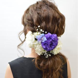 結婚式 波ウェーブ 花 セミロング ヘアスタイルや髪型の写真・画像