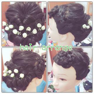 ロング ブライダル くるりんぱ 編み込み ヘアスタイルや髪型の写真・画像 ヘアスタイルや髪型の写真・画像